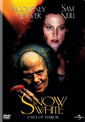 Cover image for Snow White a tale of terror