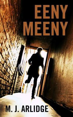 Cover image for Eeny meeny. bk. 1 [large print] : DI Helen Grace series