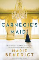 Cover image for Carnegie's maid [large print]
