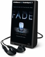 Cover image for Fade. bk. 2 Wake series