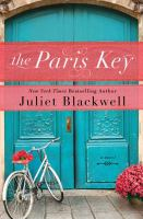 Cover image for The Paris key [large print]