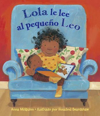 Lola le lee al pequen~o Leo
